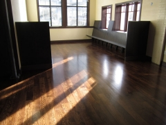 ENGINEERED WHITE OAK WITH ANTIQUE BROWN STAIN